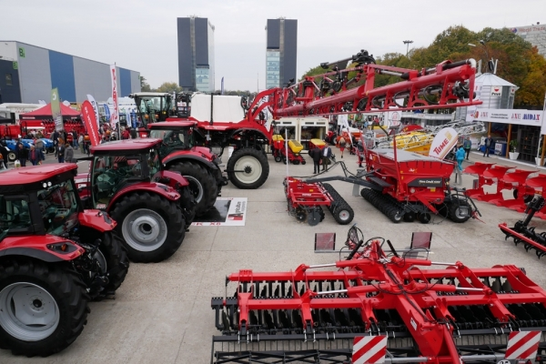 APAN Agriculture Equipments la IndAgra 2019